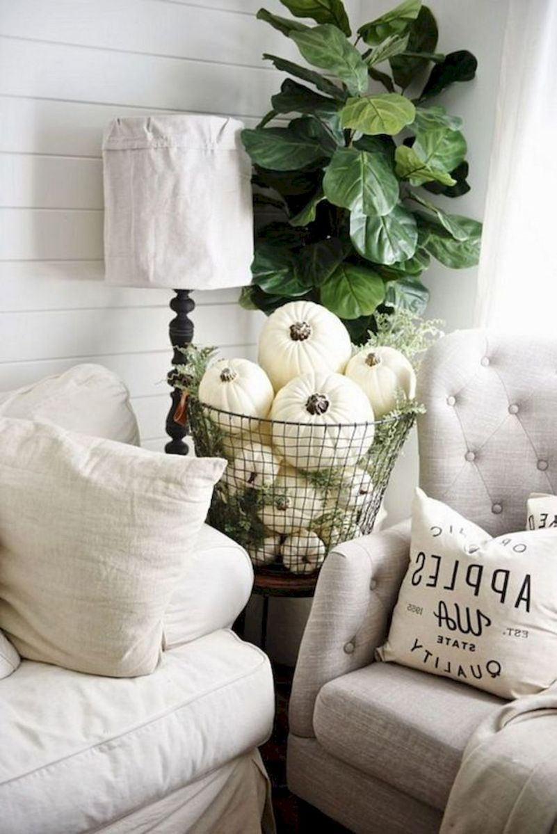 40 Awesome Fall Decoration Ideas For Living Room (14)