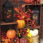 40 Beautiful Fall Front Porch Decorating Ideas That Will Make Your Home Look Amazing (16)
