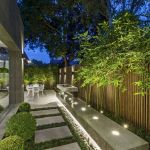40 Fabulous Modern Garden Designs Ideas For Front Yard and Backyard (37)