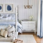 20 Best Coastal Farmhouse Bedroom Decor Ideas (3)