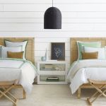 20 Best Coastal Farmhouse Bedroom Decor Ideas (4)
