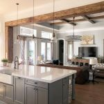 20 Best Farmhouse Kitchen Lighting Decor Ideas (14)