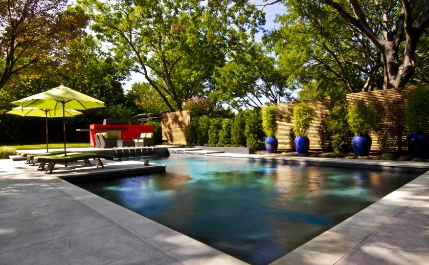 privacy fence ideas pool