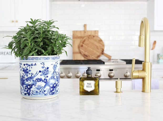 12 kitchen faucet ideas for an instant