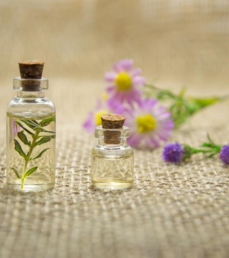25 DIY Essential Oils To Use At Home