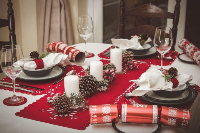 Elegant Dining Table Centerpiece Decor For Christmas With Lunch Decoration Ideas