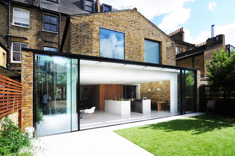Amazing Black And White House In London Called Homemade