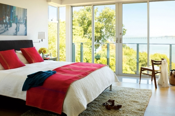 Simple Bedroom Design With Modern Touch And Colorful