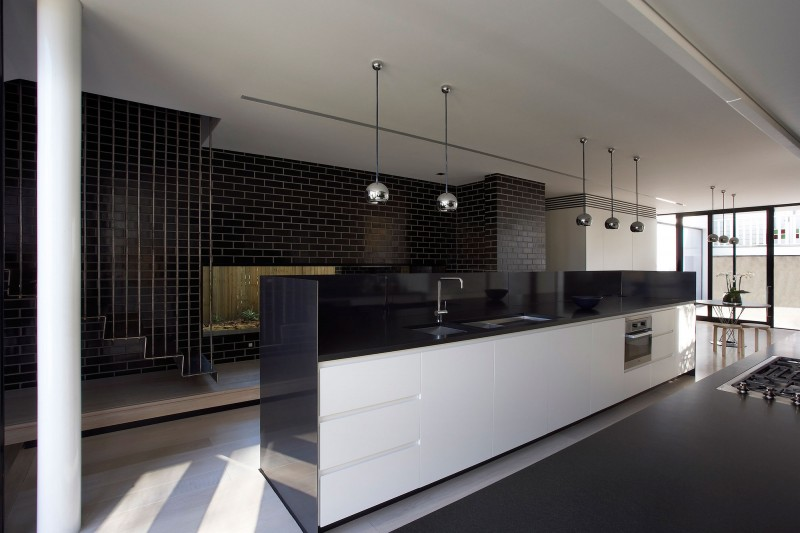 Astonishing Contemporary Home Design With Suprising