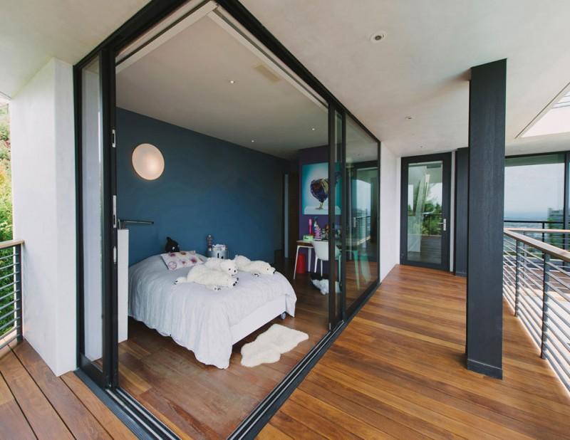 Curvy Futuristic Architecture Presenting Gray and White