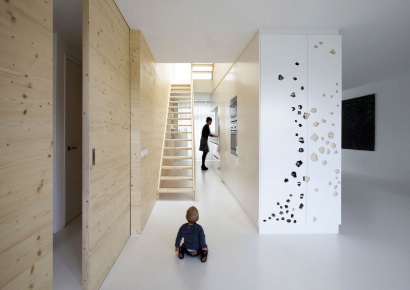 Mesmerizing Modern Apartment Interior with Laser Cut