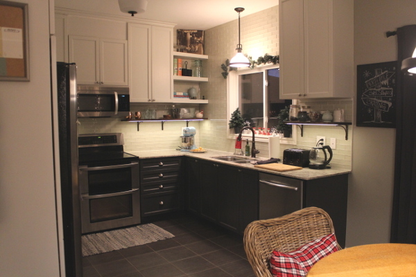 holiday-decorating-kitchen