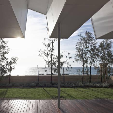 dezeen_Florida-Beach-House-by-Iredale-Pedersen-Hook_7