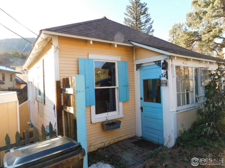 adorable vintage cottage