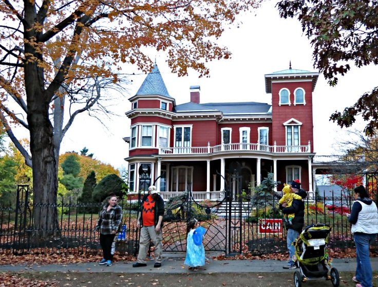 Stephen King house at Halloween