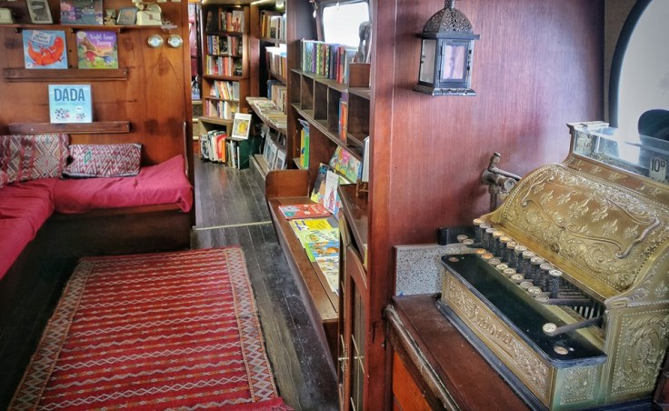 Word on the Water - Floating Bookstore in London