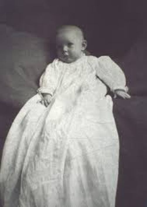 Amelia Earhart infant picture