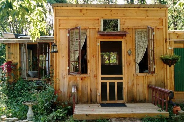 Charming rustic cabin for rent
