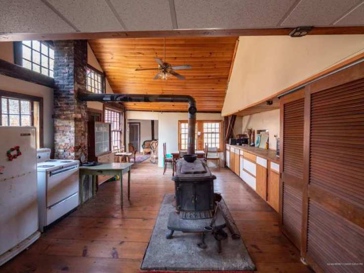 Old Maine mill converted to home