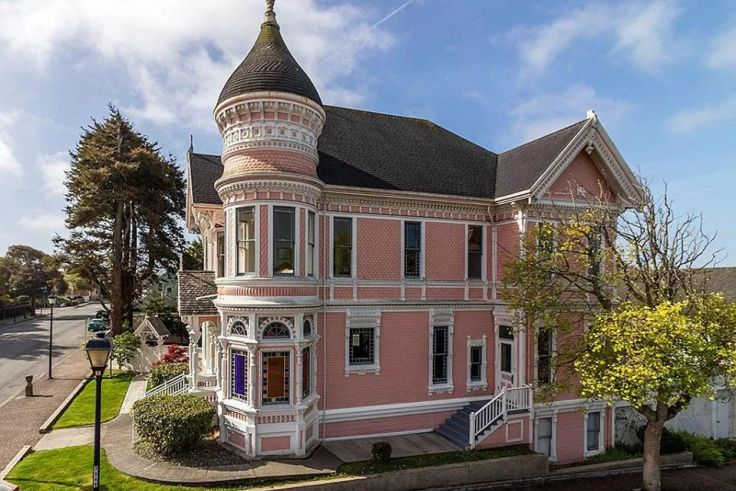 The Pink Lady in Eureka California