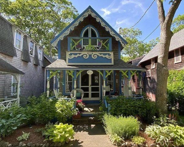 House Crazy Sarah's dream house