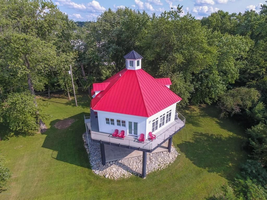 Lighthouse Inspired Home in Kentucky