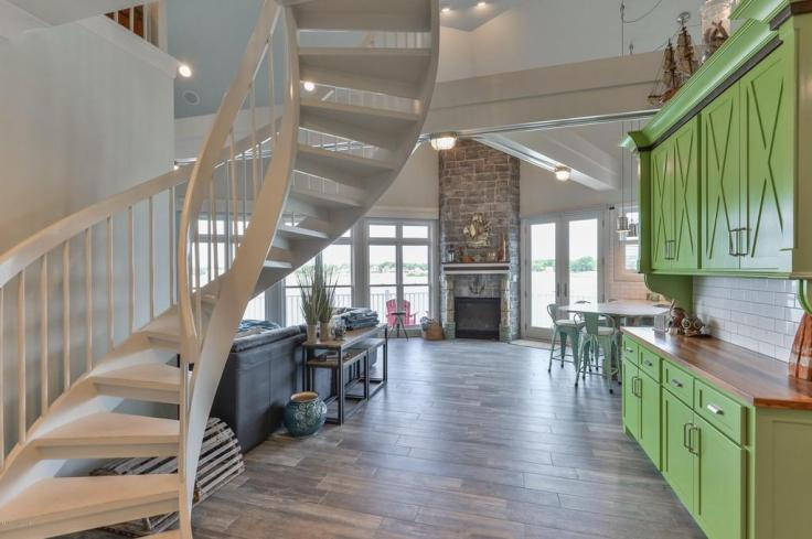 Lighthouse-Inspired-Home in-Kentucky
