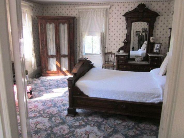 Lizzie-Borden-murder-house-interior