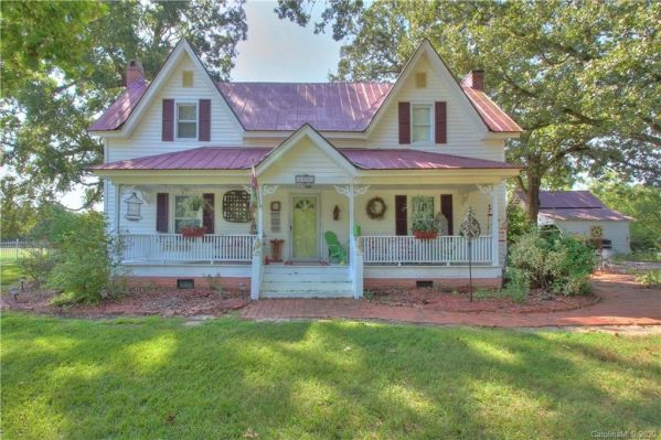 North Carolina 1920 farmhouse for sale