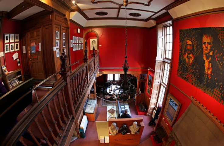 Inside-The-Writers-Museum-in-Edinburgh-Scotland