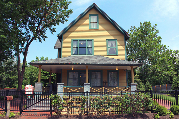 A-Christmas-Story-House-in-real-life
