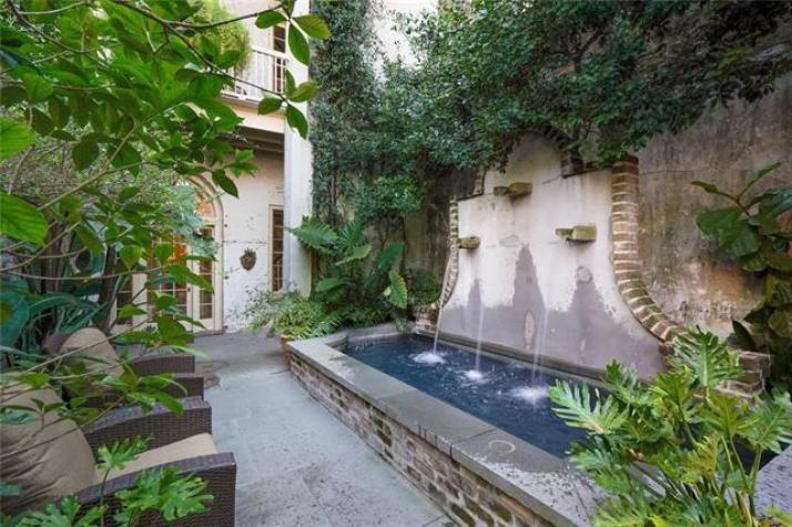 New Orleans French Quarter townhouse for sale
