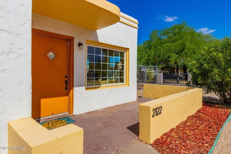 2122 N 24th Place, Phoenix, Arizona 85008