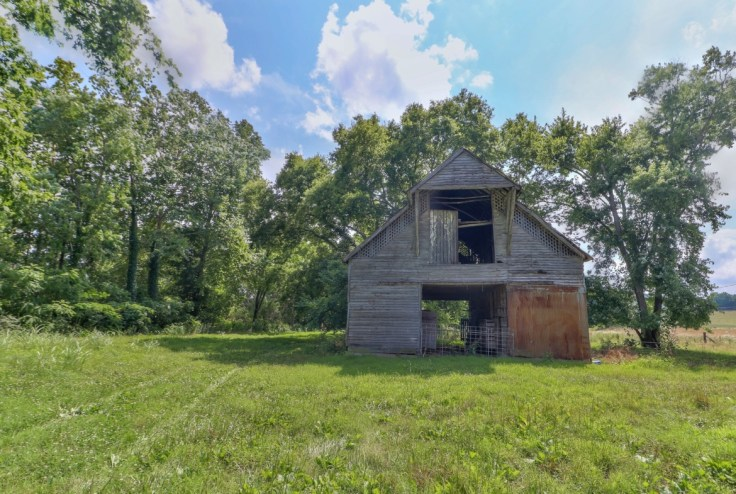 Water Valley Tennessee town for sale