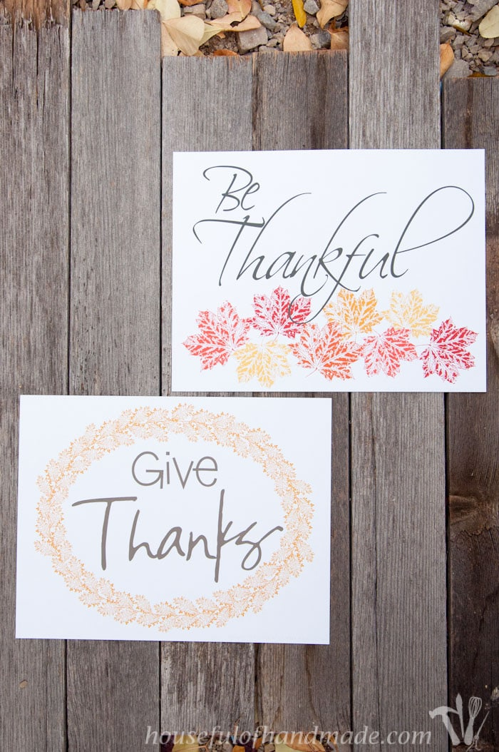 Free printable Thanksgiving art perfect for last minute Thanksgiving decorations. | HousefulofHandmade.com