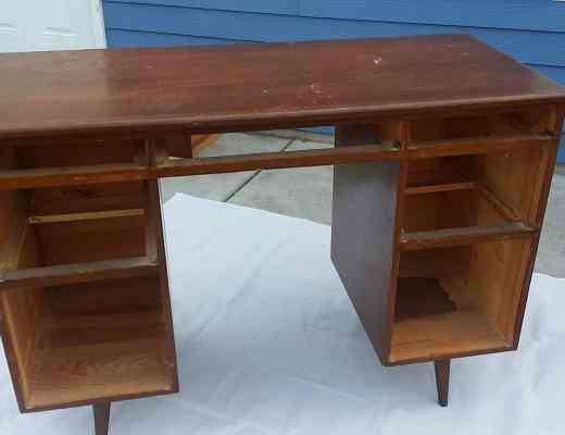 Stripping a work desk