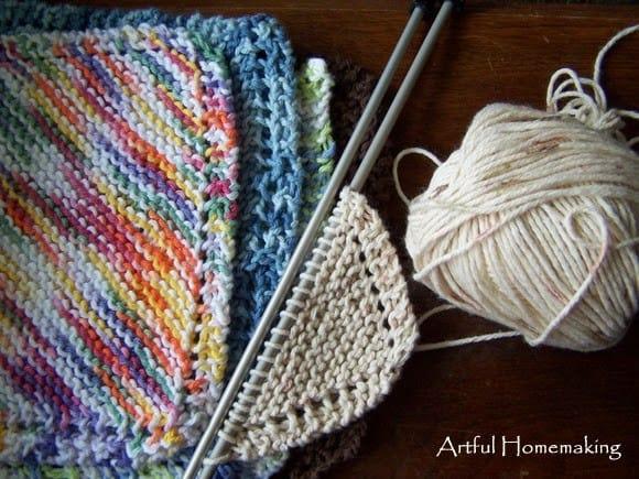 Homestead Blog Hop Feature - Artful Homemaking knitted dish cloths