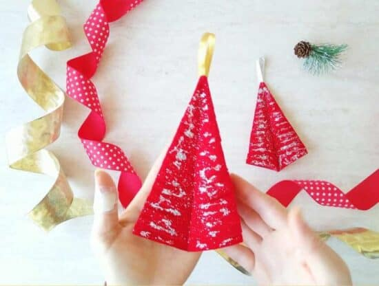 Homestead Blog Hop Feature - christmas-tree-ornament-diy