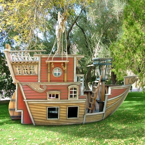 14 Incredible Cubby Houses Housegoeshome