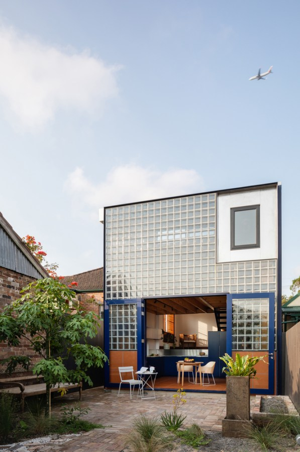 Glass book House _02