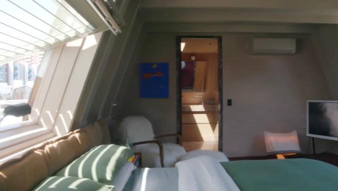 Troye Sivan home (4)