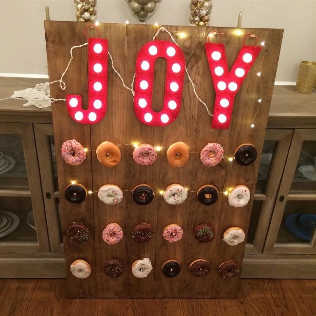 Christmas Easy DIY Donut Wall
