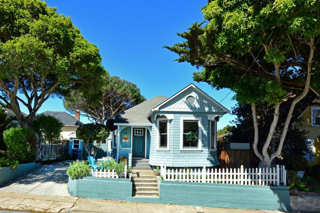 Charming Tiny Coastal Cottage In Ca Is Move In Ready