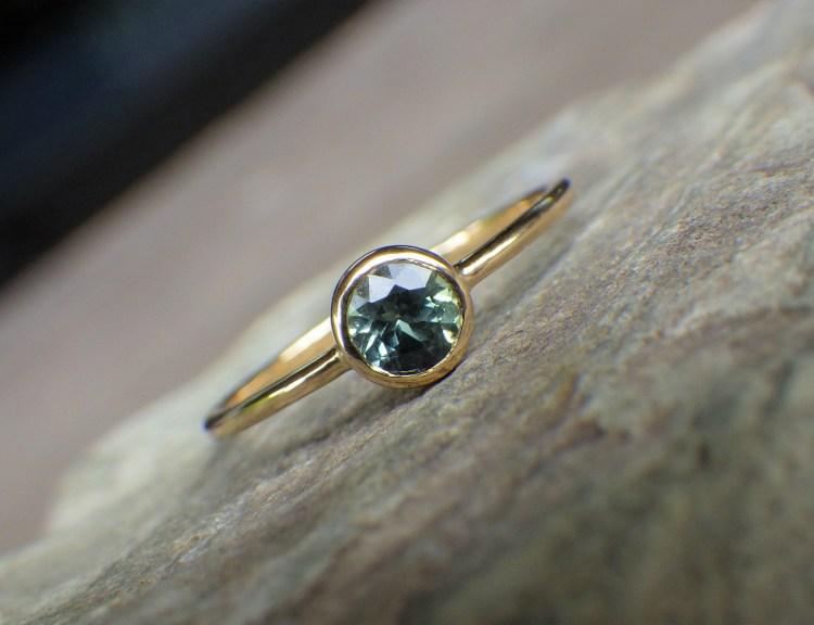 Blue green Sapphire x 18K ring (gr-4)_1
