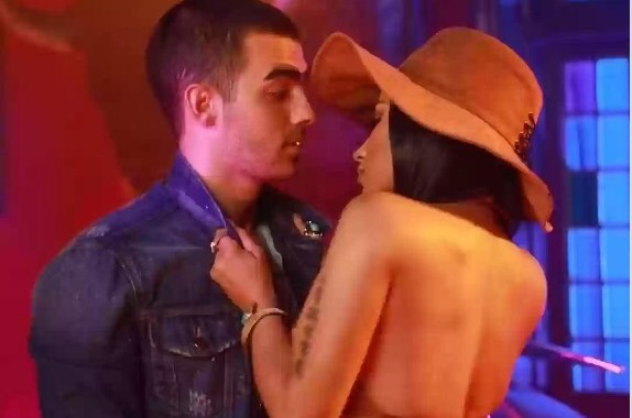 New Music: Nicki Minaj x DNCE – Kissing Strangers