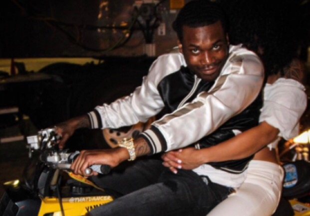 MEEK MILL FINALLY SHOWS OFF THE WOMAN HE LEFT NICKI MINAJ FOR AT SHOW