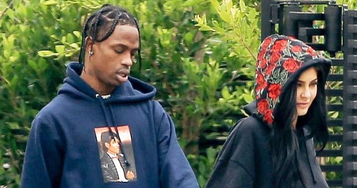 Kylie Jenner Pregnant For Rapper Boyfriend Travis Scott