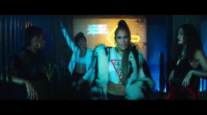 Jennifer Lopez ft Wisin - Amor, Amor, Amor (Official Video)