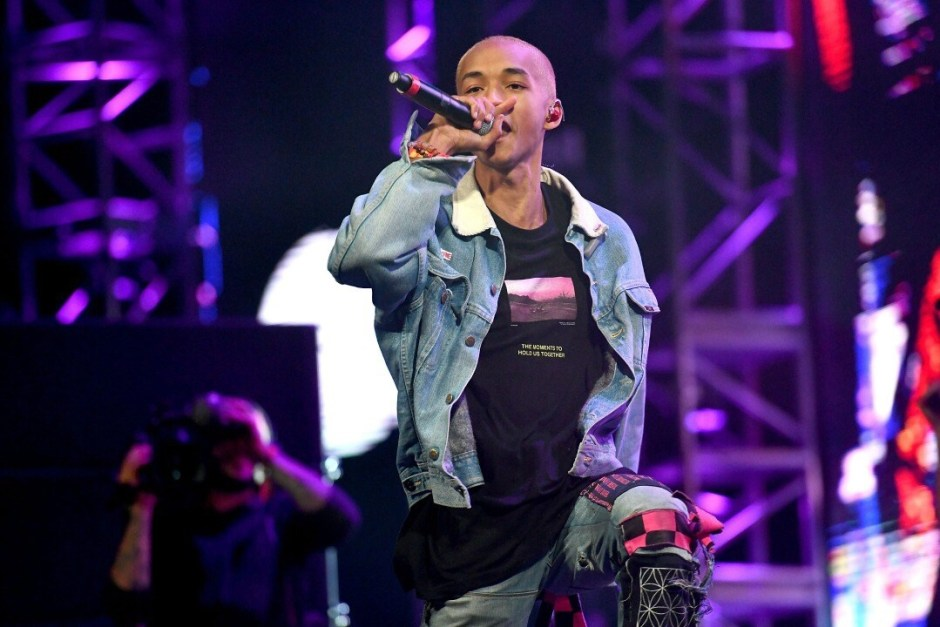 "Jaden Smith Performs ""Icon"" at 2017 Rolling Loud Southern California"