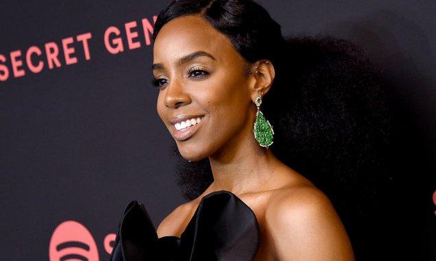 "Kelly Rowland Discusses Defending Chris Brown During ""Indigo"" Drama"